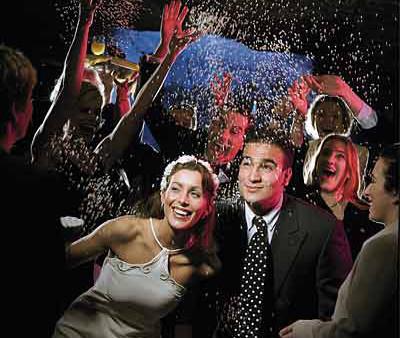 bruidspaar-lacht